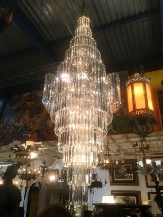Architectural Antiques/Worth Galleries – LIGHTING  02-11