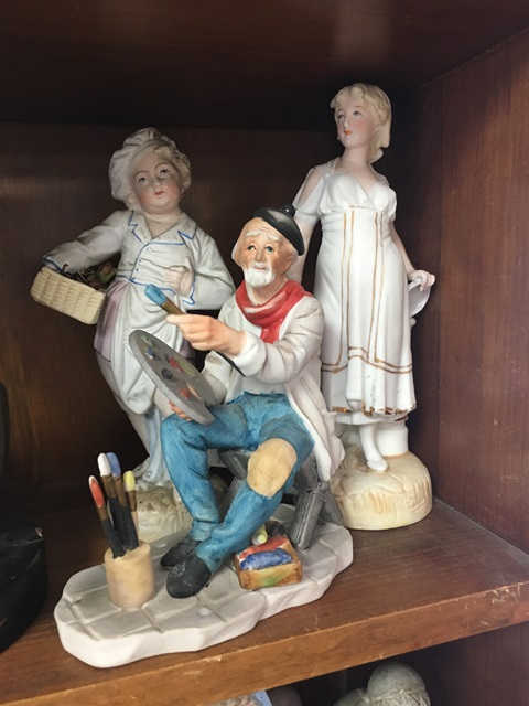 Dietel's Antiques  -PORCELAIN  |  Sunday, Jun-25