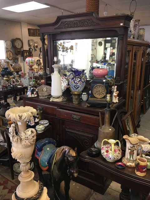 Dietel's Antiques -ANTIQUES   |  Sunday, Jun-25