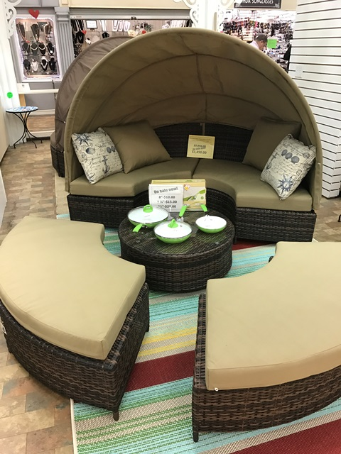 Brand New Outdoor Daybeds    |  Saturday, Jun-24